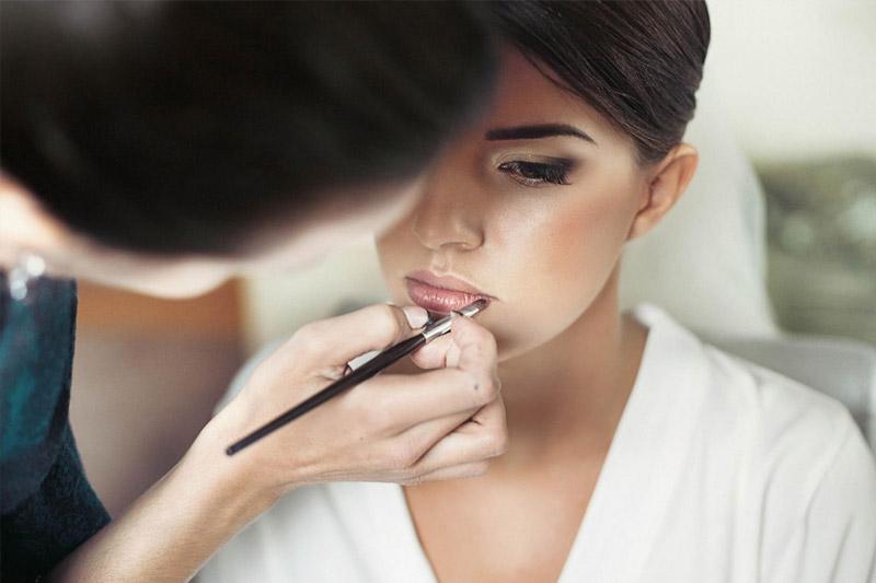 Formation Maquillage / Visagisme / Sens. Coiffure